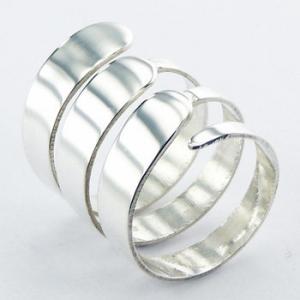 Artsy triple band silver ring
