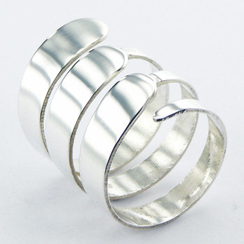 Artsy triple band silver ring