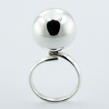 Chimming big ball silver ring
