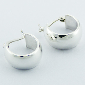 Classic daily silver hoops