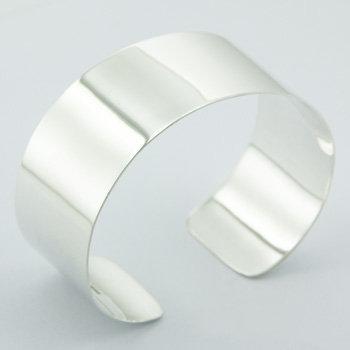 Elegant highly polished silver cuff bangle