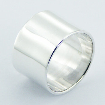 Solid cylinder silver ring